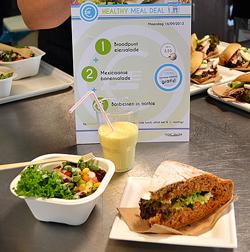 Hoe promoot je gemakkelijk een gezonde lunch op het werk?